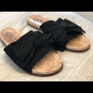 Sam&Libby black bowtie sandals